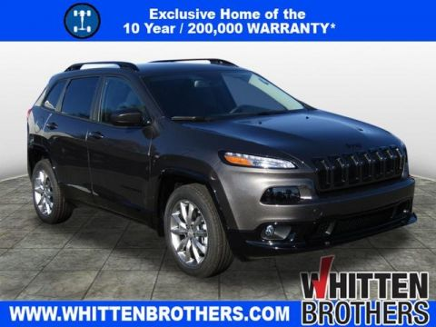 NEW 2018 JEEP CHEROKEE LATITUDE WITH TECH CONNECT PACKAGE FWD